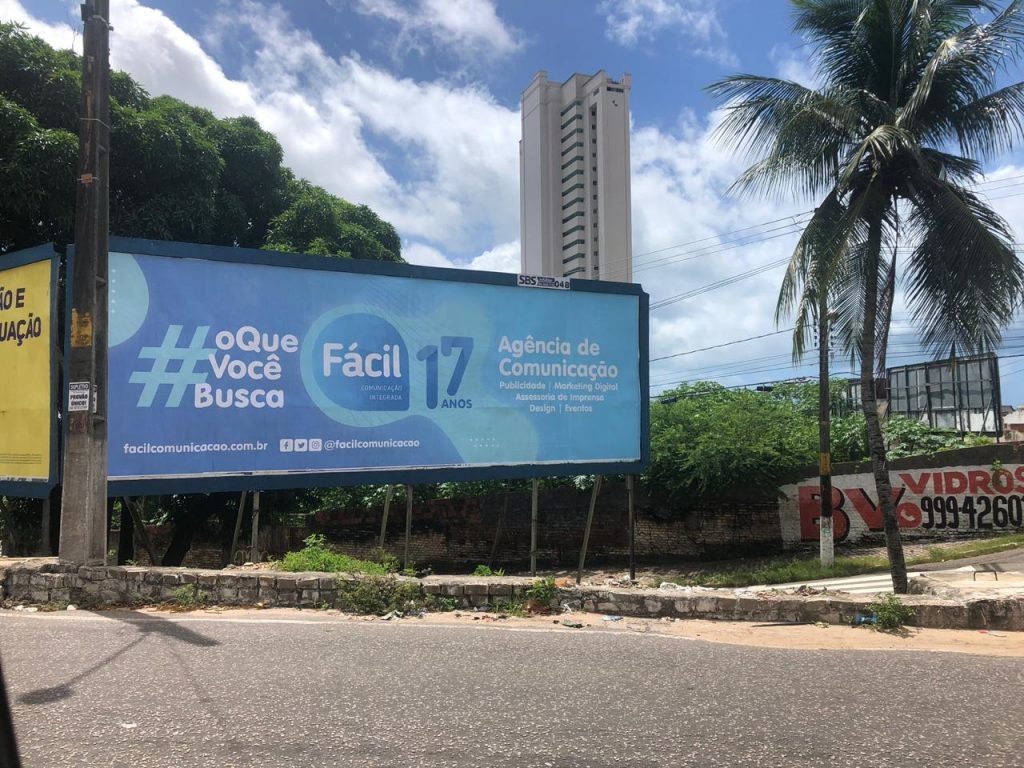 Fácil Comunicação lança campanha de 17 anos ao apresentar vídeo e jingle inéditos